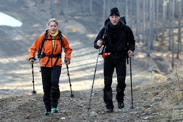 Účastníci nejextrémnějšího outdoorového závodu Rock Point - Zimní výzva měli v pondělí 24. února za sebou už dva dny pochodu. Ze třiadvaceti dvojic jich už sedm vzdalo, především kvůli zdravotním problémům.
