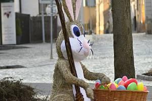 Ukradený zajíc z náměstí Tyrše a Fügnera v Mohelnici.