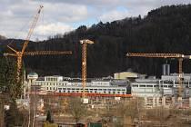 Výstavba nové haly a papírenského stroje v OP papírně v Olšanech