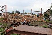 Haly bývalého závodu Hedva v Šumperku jejich současný majitel zboural