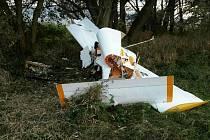 Havárie letadla na letišti u Šumperku.