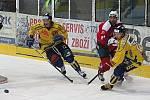 Hokej Draci - Třebíč. Draci (žluté dresy) proti Třebíči