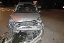 Ke srážce dvou vozů vyjížděli policisté v pondělí 10. března večer. Nehoda se stala v Jeremenkově ulici v Šumperku.