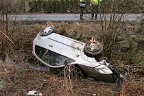 Nehoda u nádrže Krásné. Foto: Policie ČR