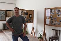 Romanu Janasovi se podařilo zmapovat osudy stovek válečných zajatců, kteří prošli Jesenickem. Expozice v novém muzeu v České Vsi je výsledkem jeho desetiletého úsilí.