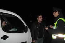 Policie kontroluje doklady sourozencům Avetysianům