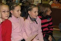 Žáci Základní školy Sluneční nahráli písničku, kterou vydají na CD
