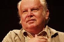 V pátek 2. listopadu zemřel herec šumperského divadla Stanislav Waniek.