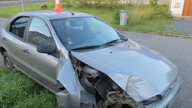 S kradeným autem se pokoušeli v Jeseníku ujet policejní hlídce dva mladíci ve věku patnáct a sedmnáct let.