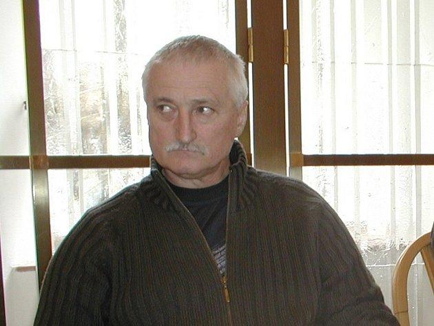 Odvolaný ředitel Otakar Podařil.