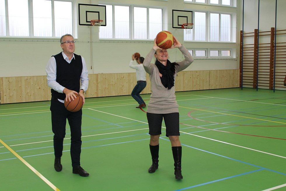 Slavnostní otevření rekonstruované tělocvičny na zemědělské škole v Šumperku.