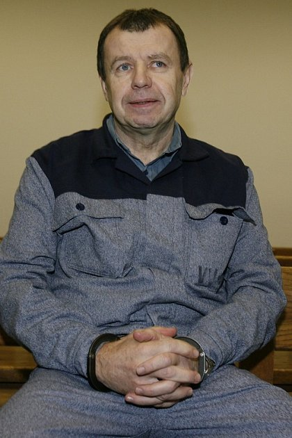 Vratislav Kutal u Městského soudu v Praze, který 10. ledna projednával žádost o obnovu jeho procesu. Kutal byl v roce 2003 pravomocně odsouzen k desetiletému trestu vězení za přípravu vraždy novináře a nedovolené ozbrojování. Podle médií patřil mezi hlavn