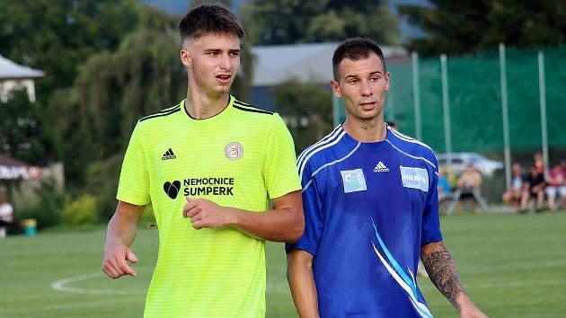 Fotbalisté Rapotína (v zeleném) prohráli se Šternberkem v penaltovém rozstřelu.