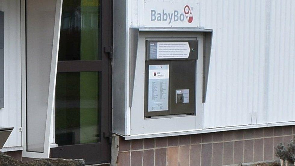 Babybox v budově centrálního příjmu Nemocnice Šumperk.