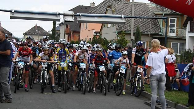 V Leštině startoval třináctý ročník Moravského bikemaratonu.