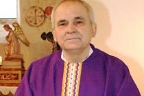 Jezuitský kněz František Lízna. Slyšet jej můžete v pátek 16. dubna od 19 hodin v šumperském farním středisku