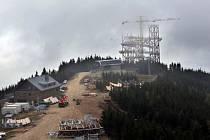 Pokračuje stavba Stezky v oblacích.