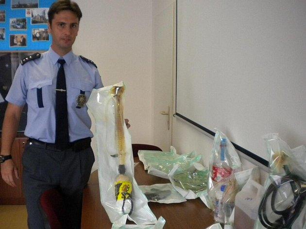 Zařízení na výrobu drog, které používal devětadvacetiletý narkoman ze Šumperka
