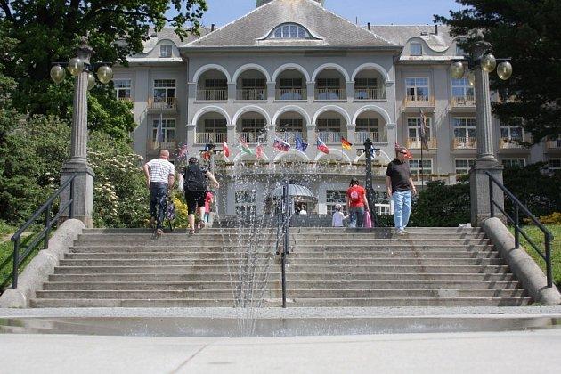 Reinholdova fontána v jesenických lázních.