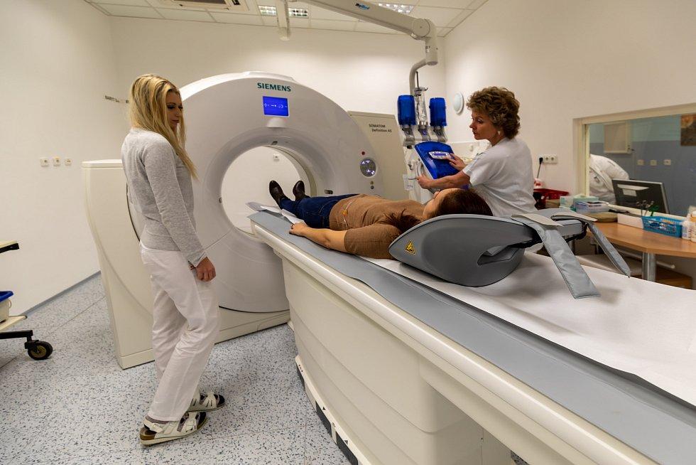 Nový počítačový tomograf Nemocnice Šumperk přinese téměř o polovinu nižší radiační zátěž.