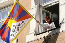 Vlajka Tibetu zavlála 10. března ráno i na radnici v Šumperku