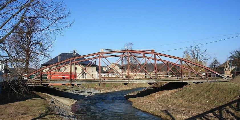 Tento most v Moravičanech zamíří v pátek do muzea ve Vikýřovicích