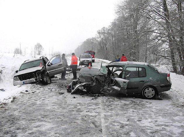 Mezi Šumperkem a Bratrušovem došlo k této dopravní nehodě