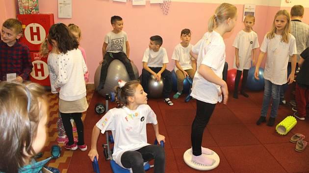 Žákům jesenické základky na pracovišti Nábřežní slouží bufet, v budově v ulici Boženy Němcové si mohou zacvičit ve fitness koutku.