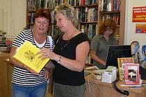 Zlatou knihu bájí a pověstí lze v Prostějově běžně koupit.