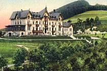Sanatorium v Šumperku na historické pohlednici ze začátku 20. století