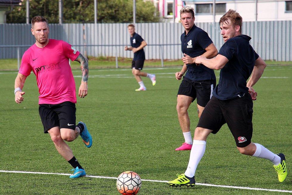 Draci si v přípravě zahráli fotbal proti Vikýřovicím.