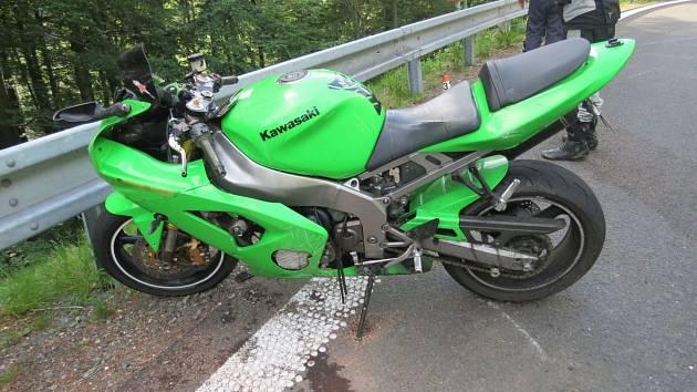 Nehoda motorkáře na Červenohorském sedle v sobotu 2. června.