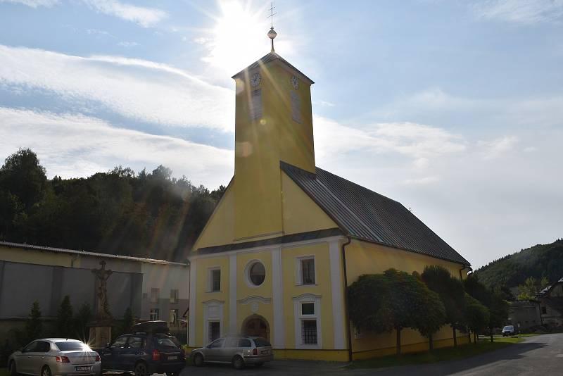 Oskava - kostel.