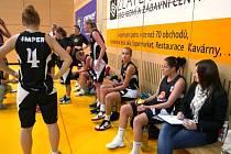 Šumperské basketbalistky v akci.