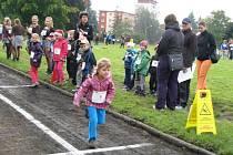 Žáci základní školy ve Vrchlického ulici v Šumperku společnými silami uběhli maraton.