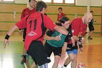 Šumperští házenkáři (červené dresy) na ilustračním snímku
