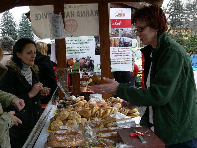 Farmářské trhy měly v Šumperku premiéru 1. dubna 2011