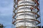 Rozhledna na Biskupské kupě při rekonstrukci.