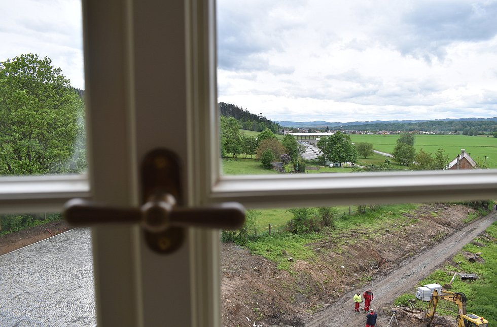 Zámek Třemešek u Dolních Studének na přelomu května a června 2021.