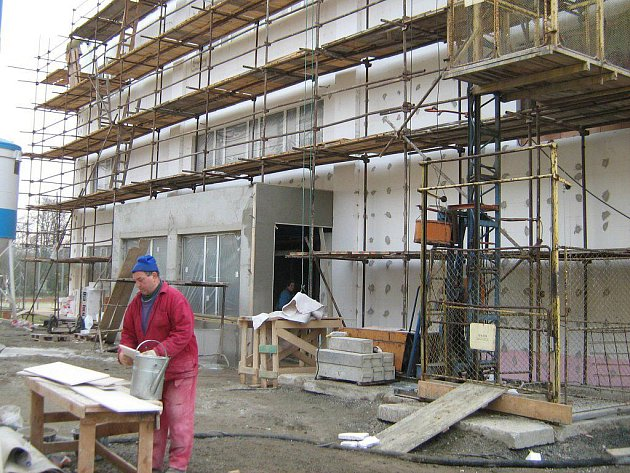 Centrum pro sport a volný čas v Mikulovicích je před dokončením