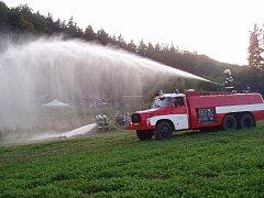 Bratrušovští hasiči během zásahu
