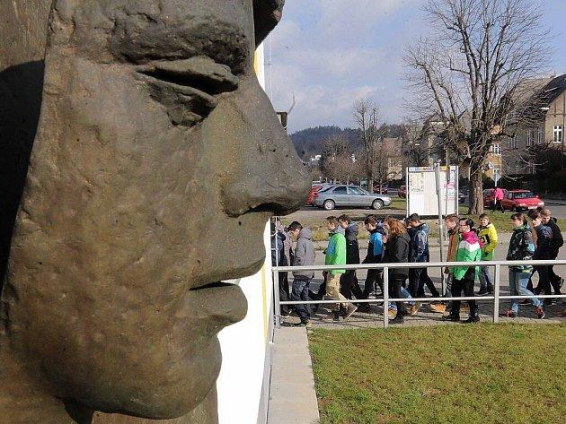 Studenti šumperské průmyslovky vzpomněli upálení Jana Zajíce.