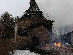 Požár bývalé kaple ve Skleném, místní části Malé Moravy.