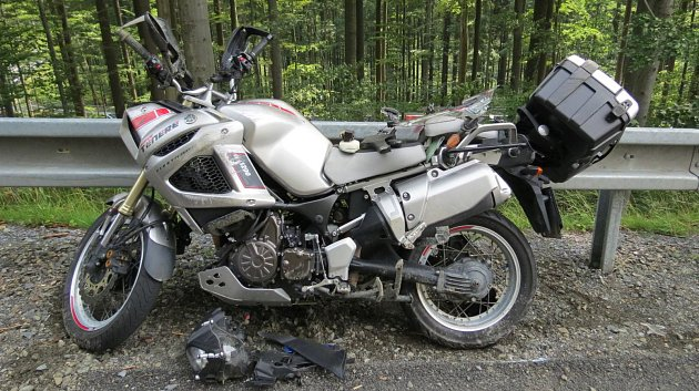 Nehoda motorkáře pod Červenohorským sedlem