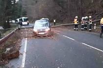 Dopravní nehoda mezi Novými Losinami a Brannou.