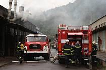 Požár haly ve Velamosu.