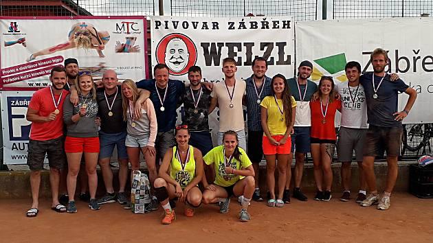 Medailisté z volejbalového turnaje města Zábřehu.