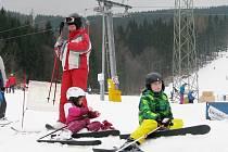 Středisko v Koutech nad Desnou o víkendu navštívily tisíce lyžařů.