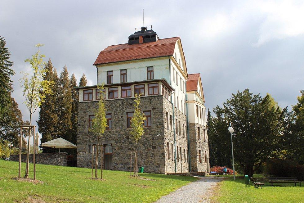 Lázně Velké Losiny - lázeňský dům Šárka