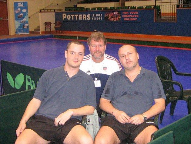 Martin Matějíček (první zleva)